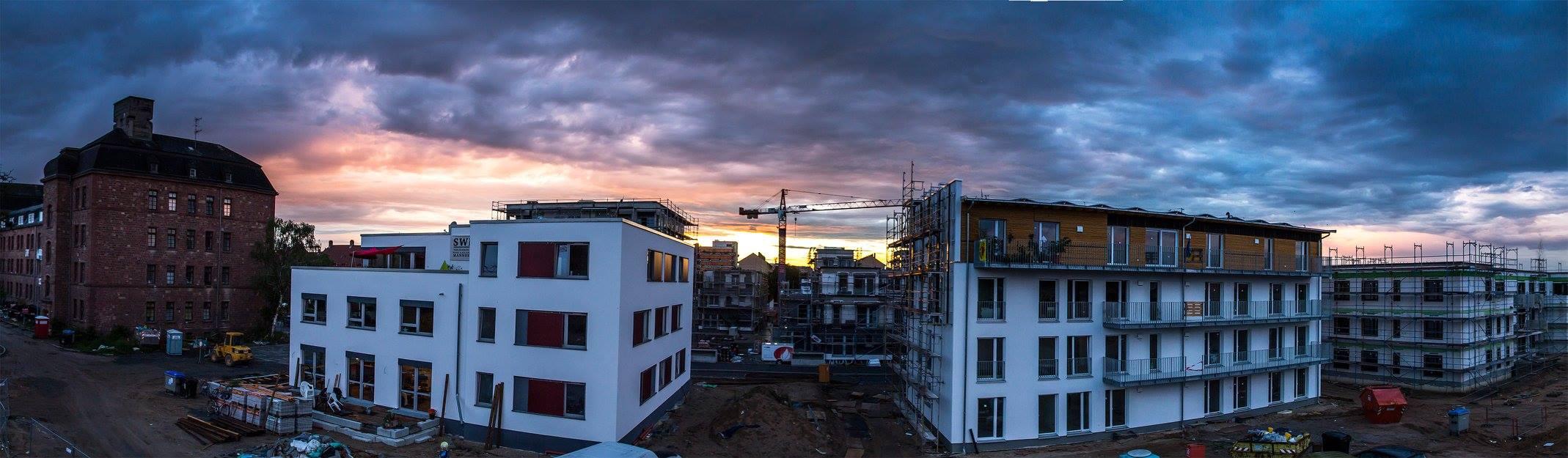 Fritz-Salm-Straße-Sonnenuntergang
